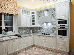 <p>Bucătărie din MDF 5 mii lei/1m liniar</p>